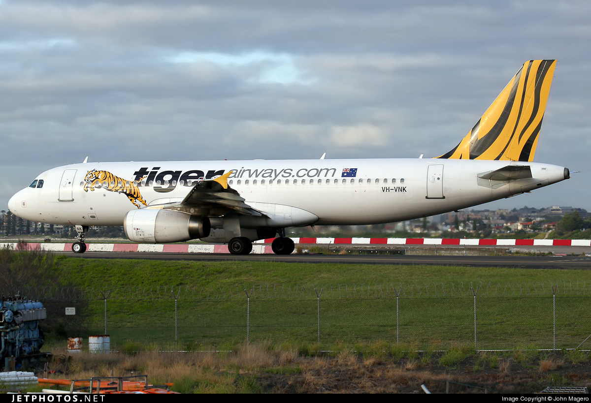 VH-VNK - Airbus A320-232 - Tiger Airways