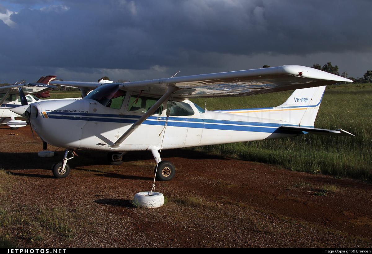 VH-PRY - Cessna 172P Skyhawk II - Private