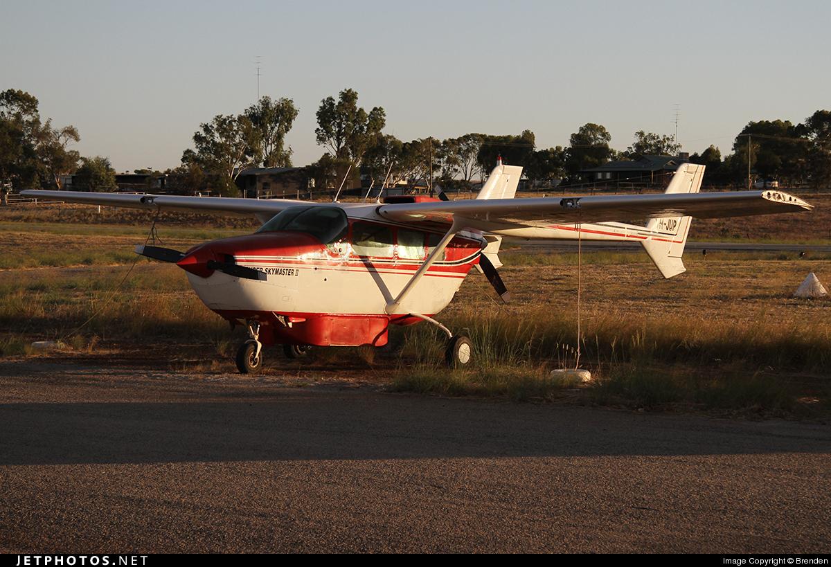 VH-JUP - Cessna 337F Super Skymaster - Private