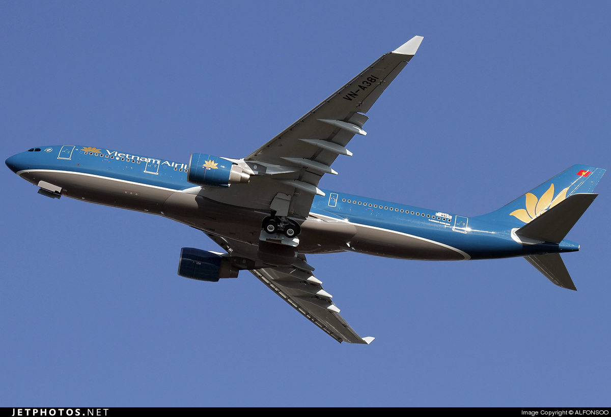 F-WWKR - Airbus A330-223 - Vietnam Airlines
