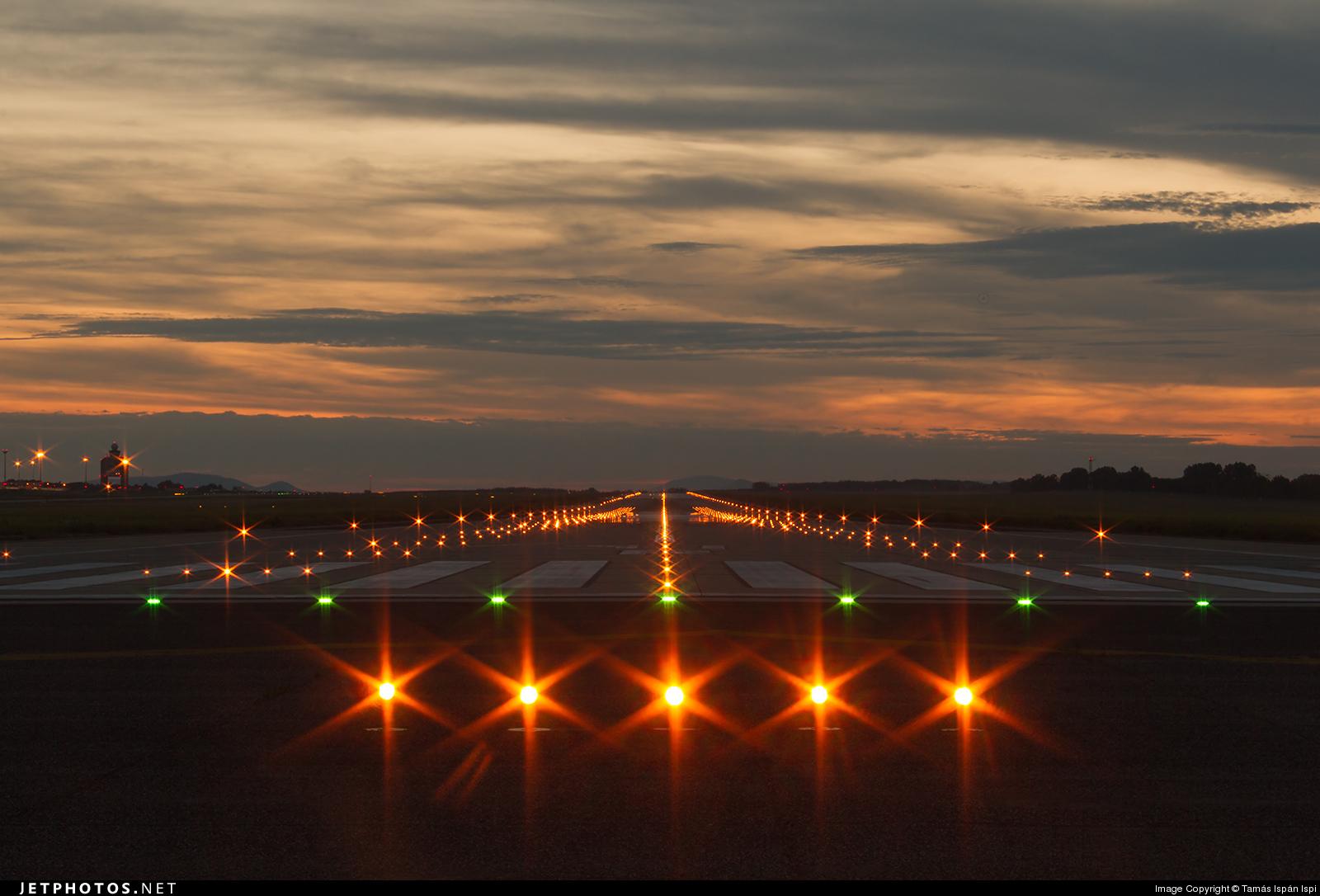 Картинки огни аэродрома