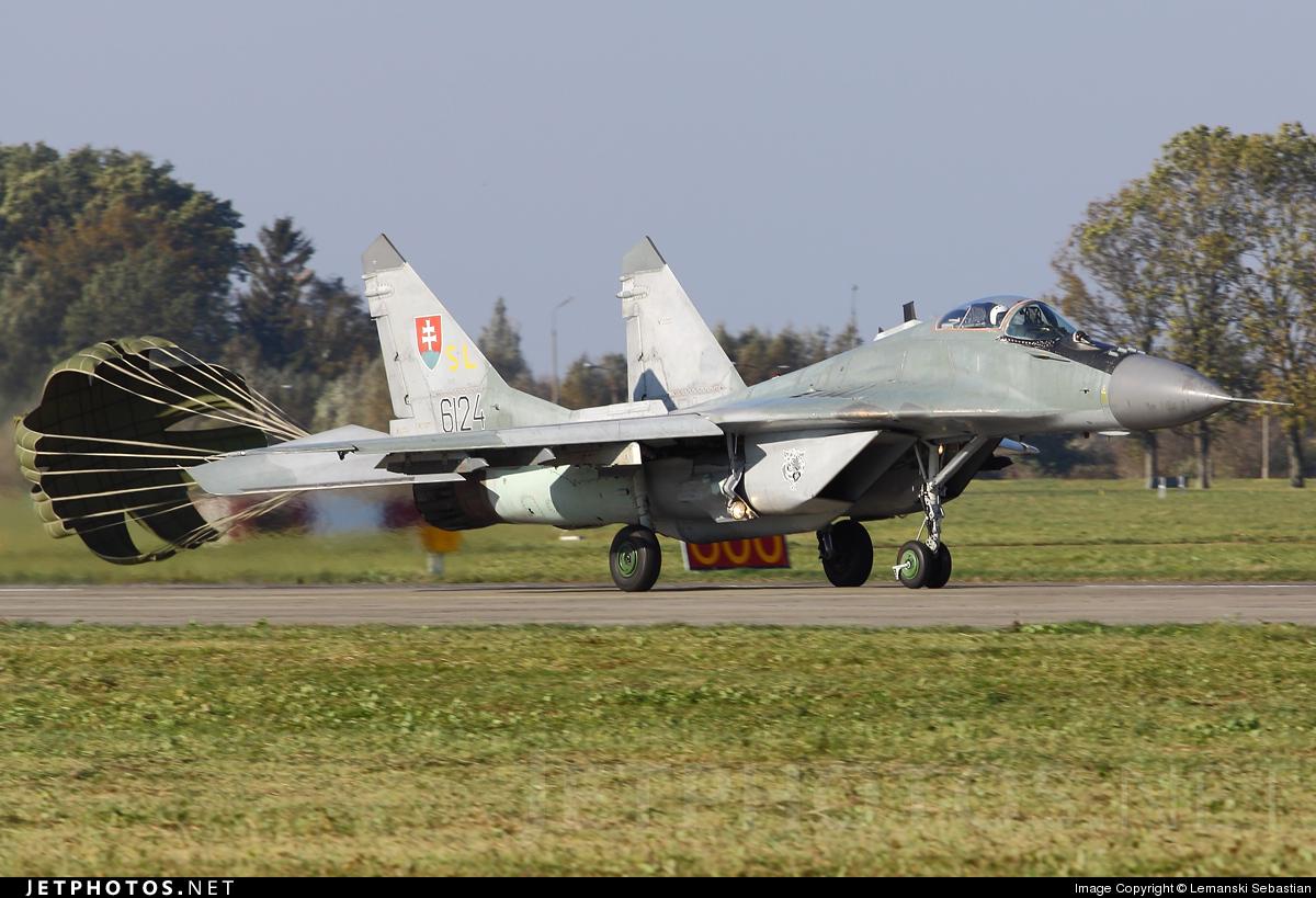 6124 - Mikoyan-Gurevich MiG-29AS Fulcrum - Slovakia - Air Force
