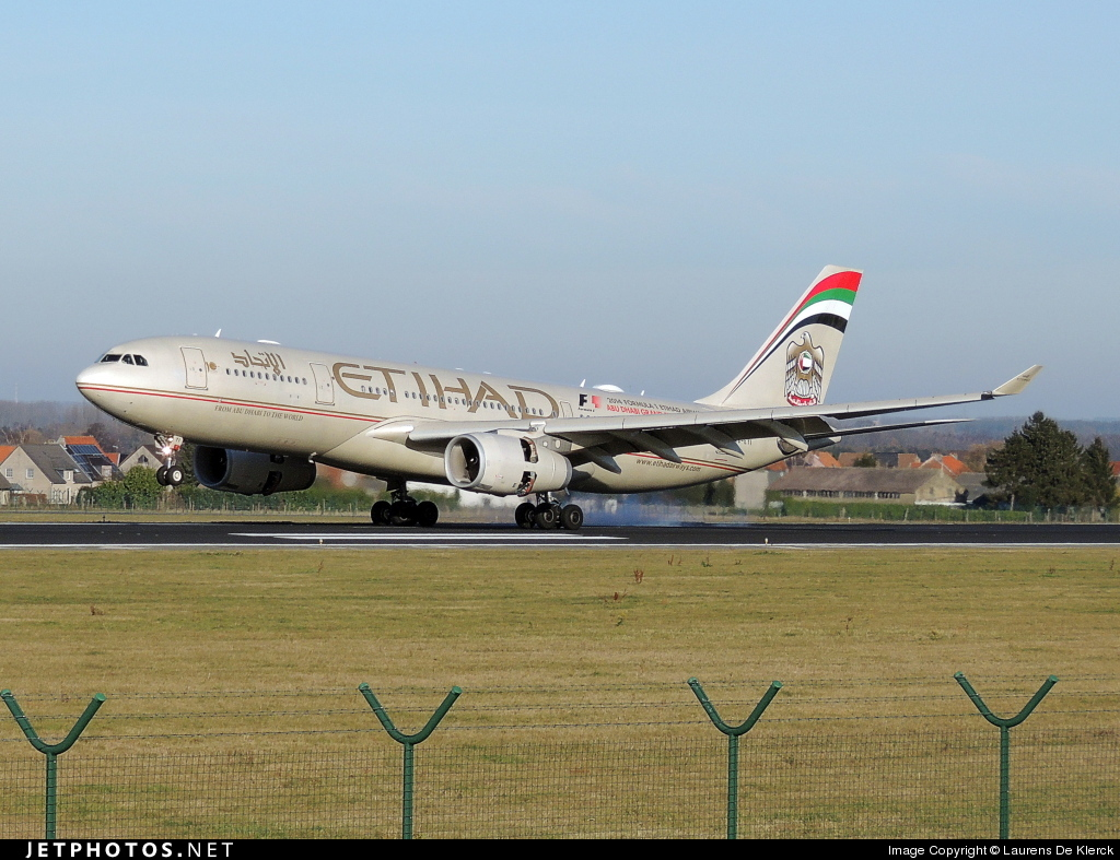 A6-EYI - Airbus A330-243 - Etihad Airways