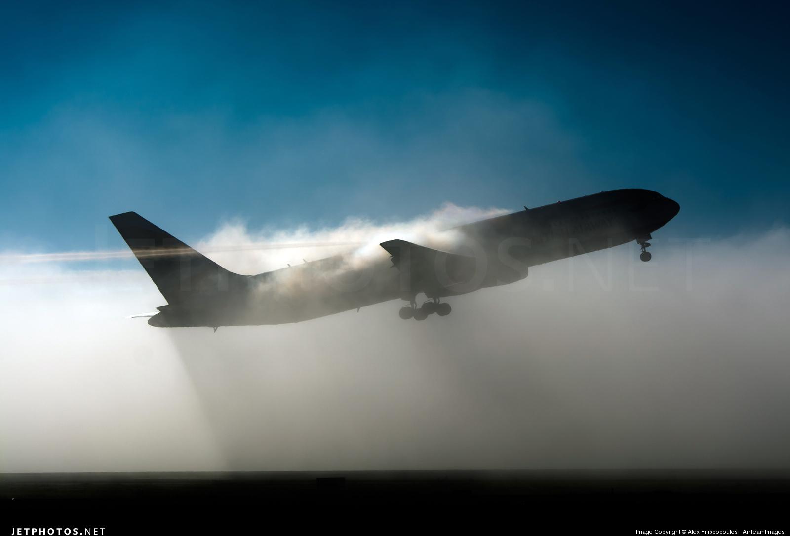 G-BNWZ - Boeing 767-336(ER) - British Airways