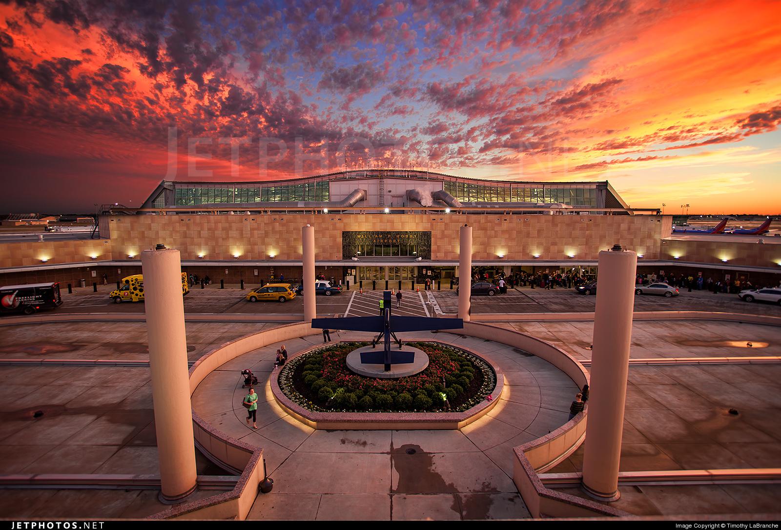 KHOU - Airport - Terminal