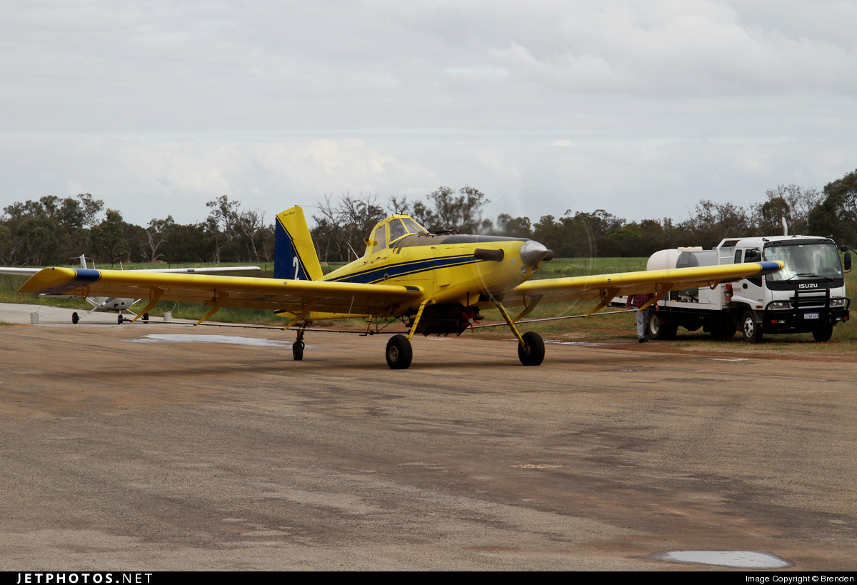 VH-NIY - Air Tractor AT-602 - Private
