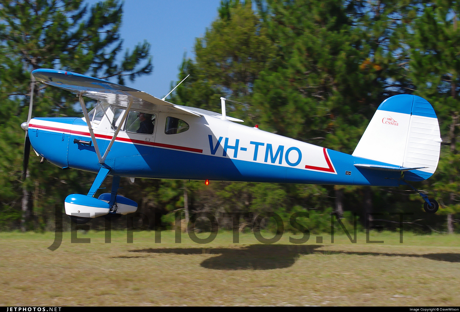 VH-TMO - Cessna 140 - Private