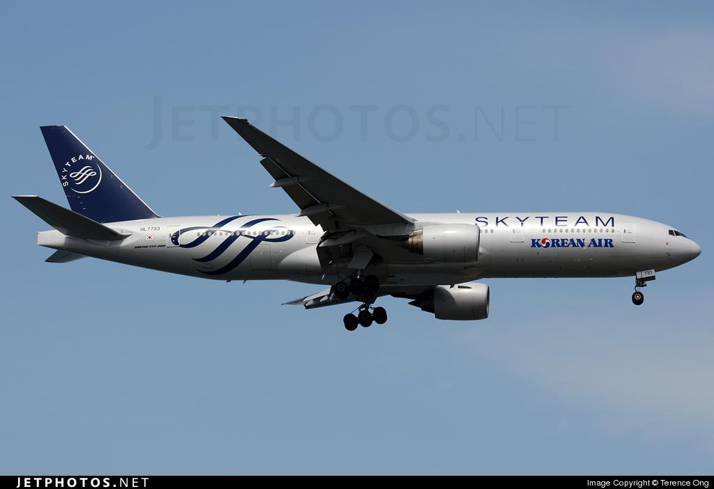 HL7733 - Boeing 777-2B5(ER) - Korean Air