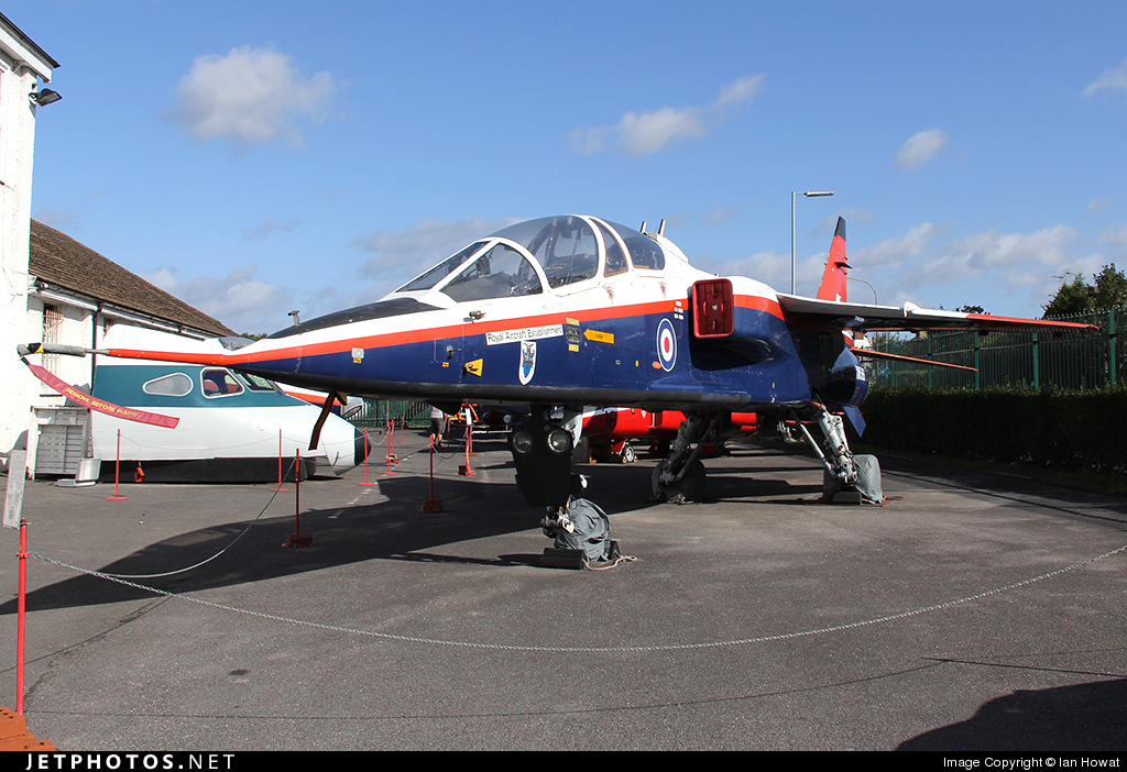XW566 - Sepecat Jaguar B - United Kingdom - Royal Aircraft Establishment