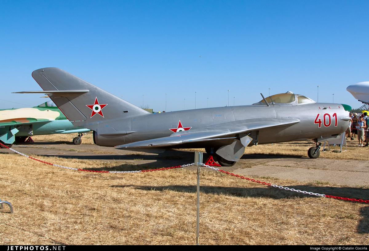401 - Mikoyan-Gurevich MiG-17PF Fresco D - Hungary - Air Force