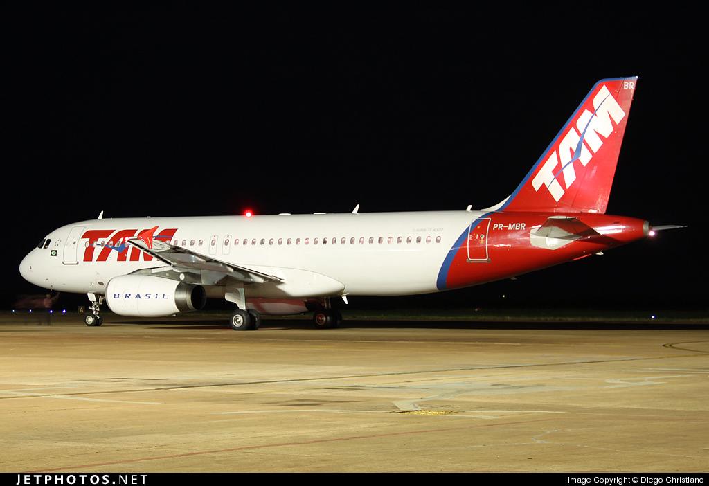 PR-MBR - Airbus A320-232 - TAM Linhas Aéreas