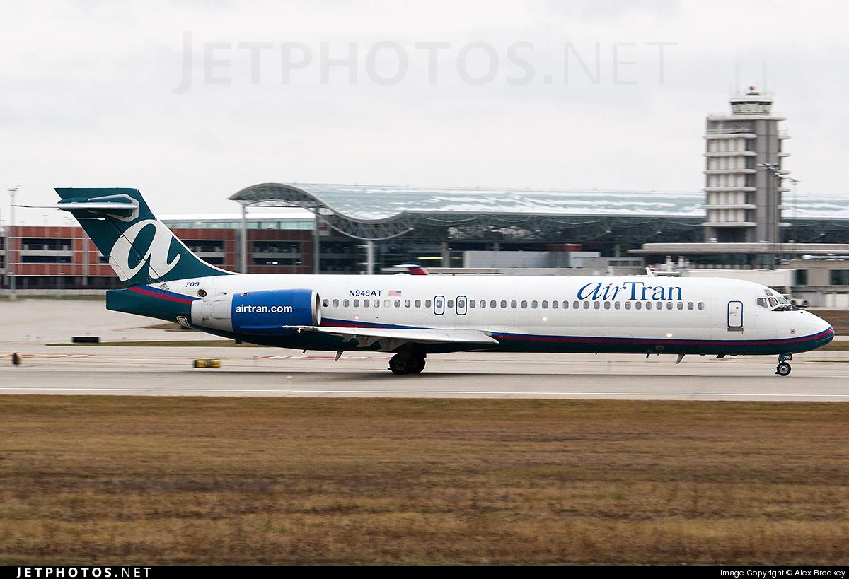 N948AT - Boeing 717-2BD - airTran Airways