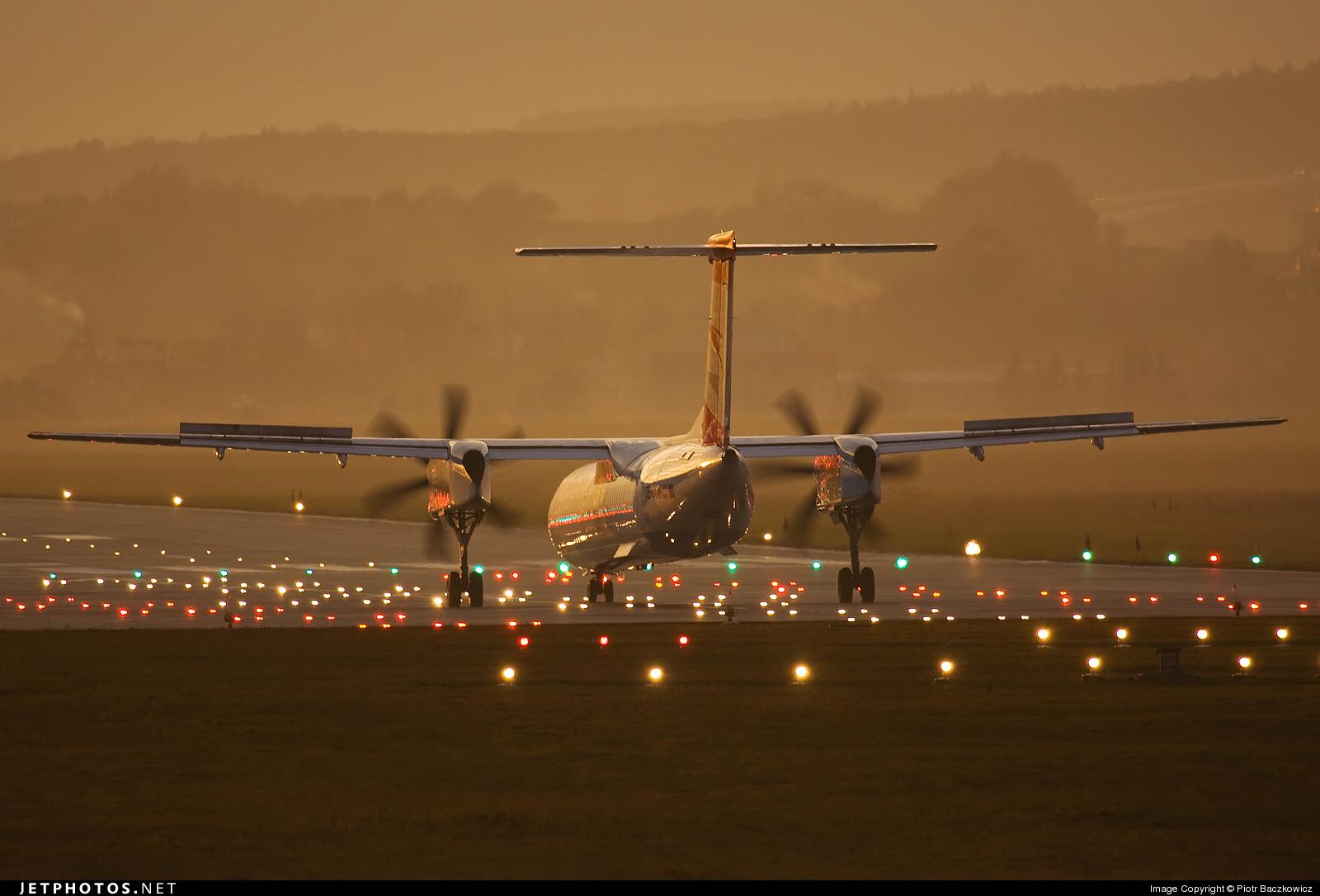 OE-LGH - Bombardier Dash 8-Q402 - Austrian Airlines