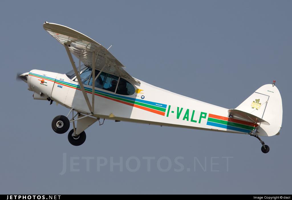 I-VALP - Piper PA-18-180M Super Cub - Private
