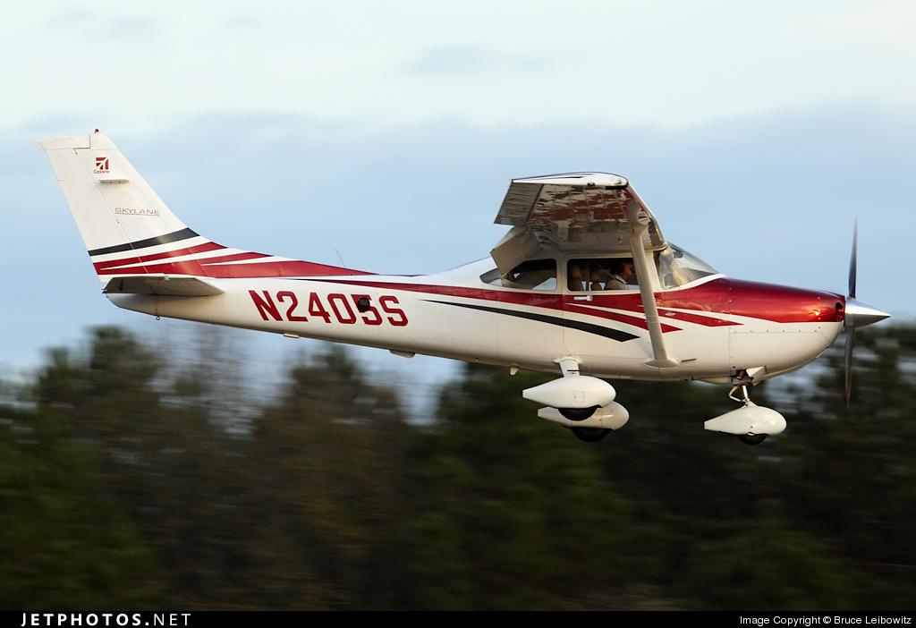 N2405S - Cessna 182T Skylane - Private