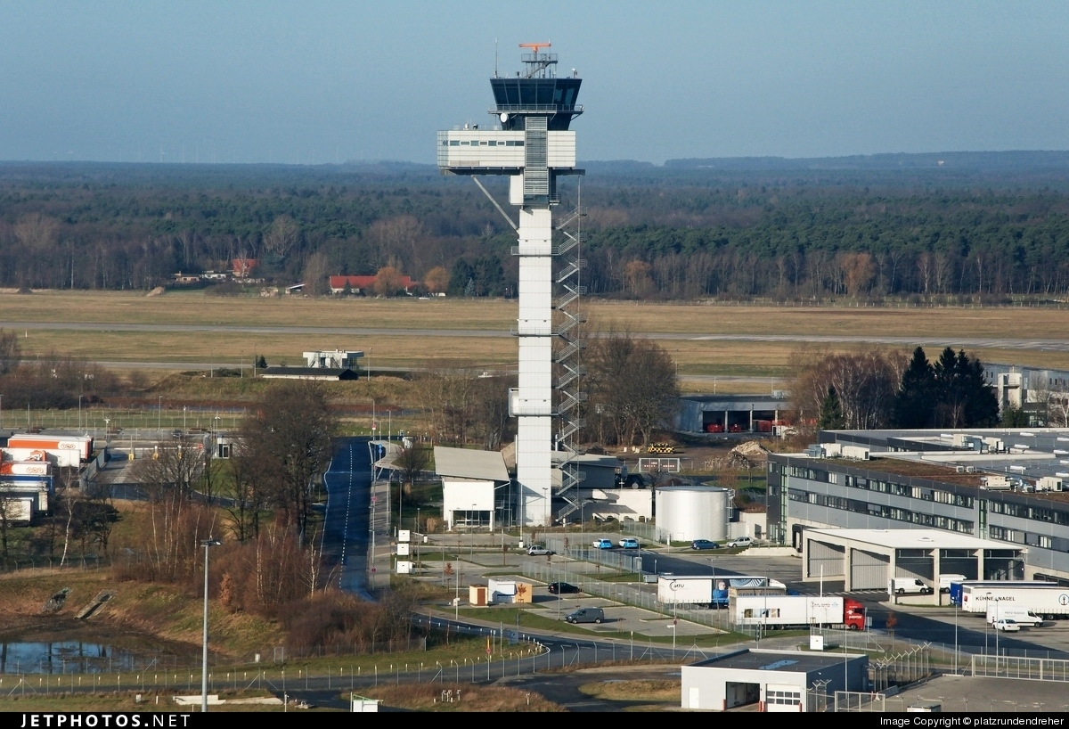 EDDV - Airport - Control Tower