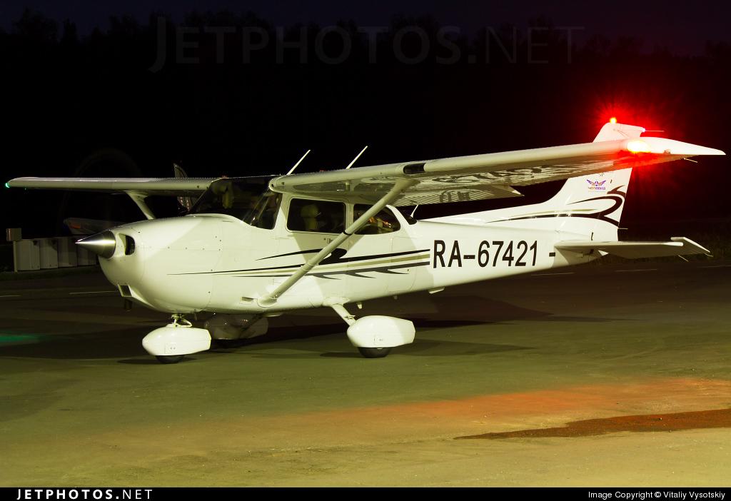 RA-67421 - Cessna 172S Skyhawk SP - Chelavia