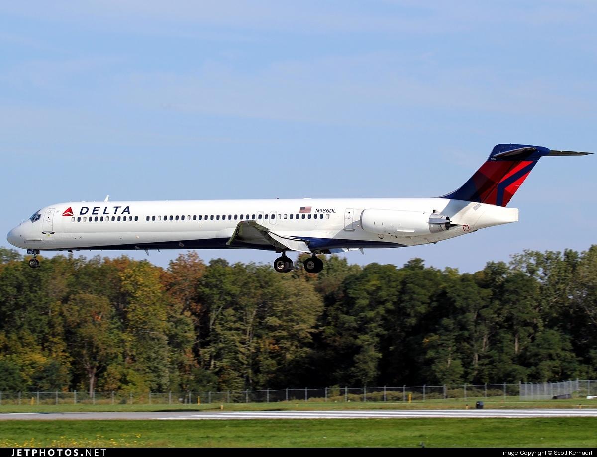 N986DL - McDonnell Douglas MD-88 - Delta Air Lines