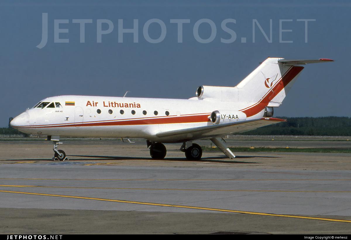 LY-AAA - Yakovlev Yak-40 - Air Lithuania