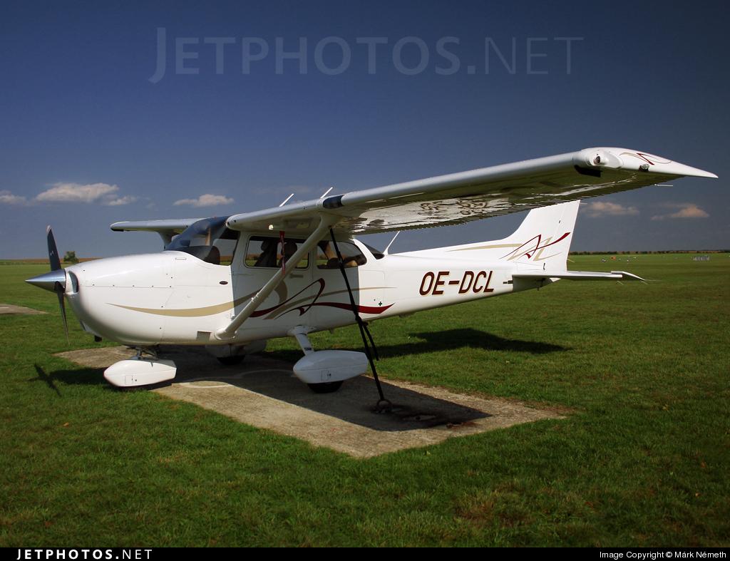 OE-DCL - Cessna 172 - Private