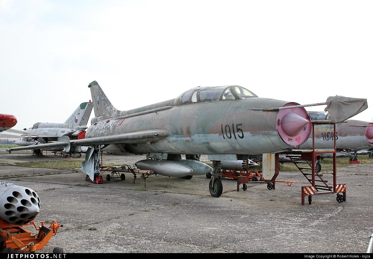 1015 - Sukhoi Su-7U Moujik - Czechoslovakia - Air Force