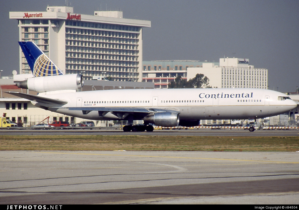 N68043 - McDonnell Douglas DC-10-10 - Continental Airlines