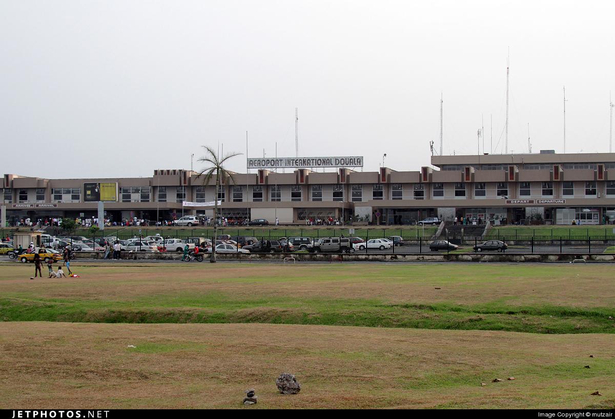 FKKD - Airport - Terminal
