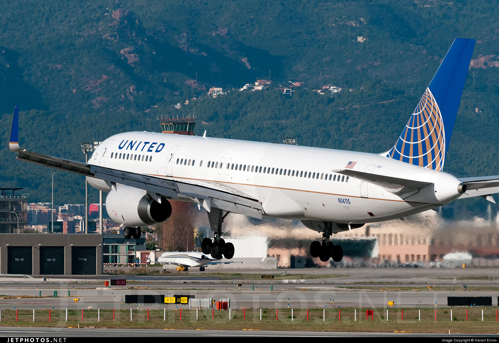 N14115 - Boeing 757-224 - United Airlines