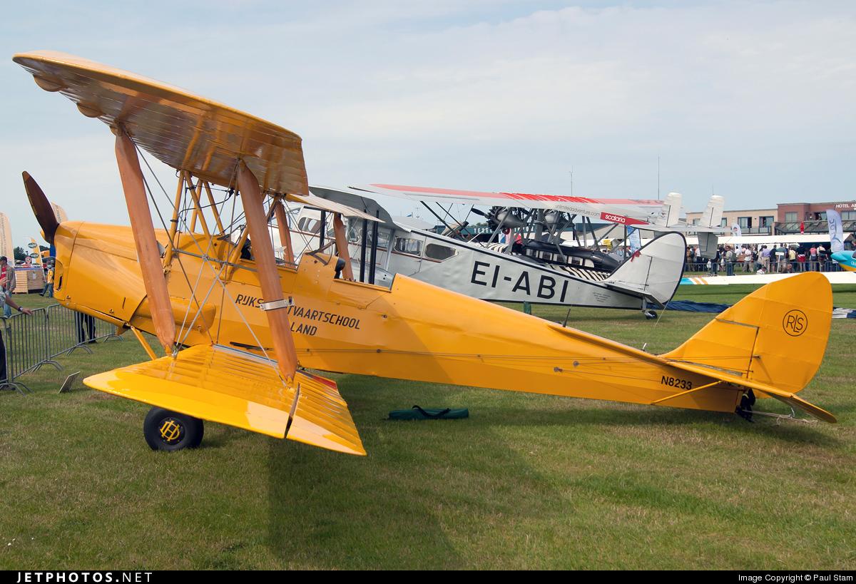 bcdb20553 N8233 | De Havilland DH-82A Tiger Moth | Wings over Holland | Paul ...