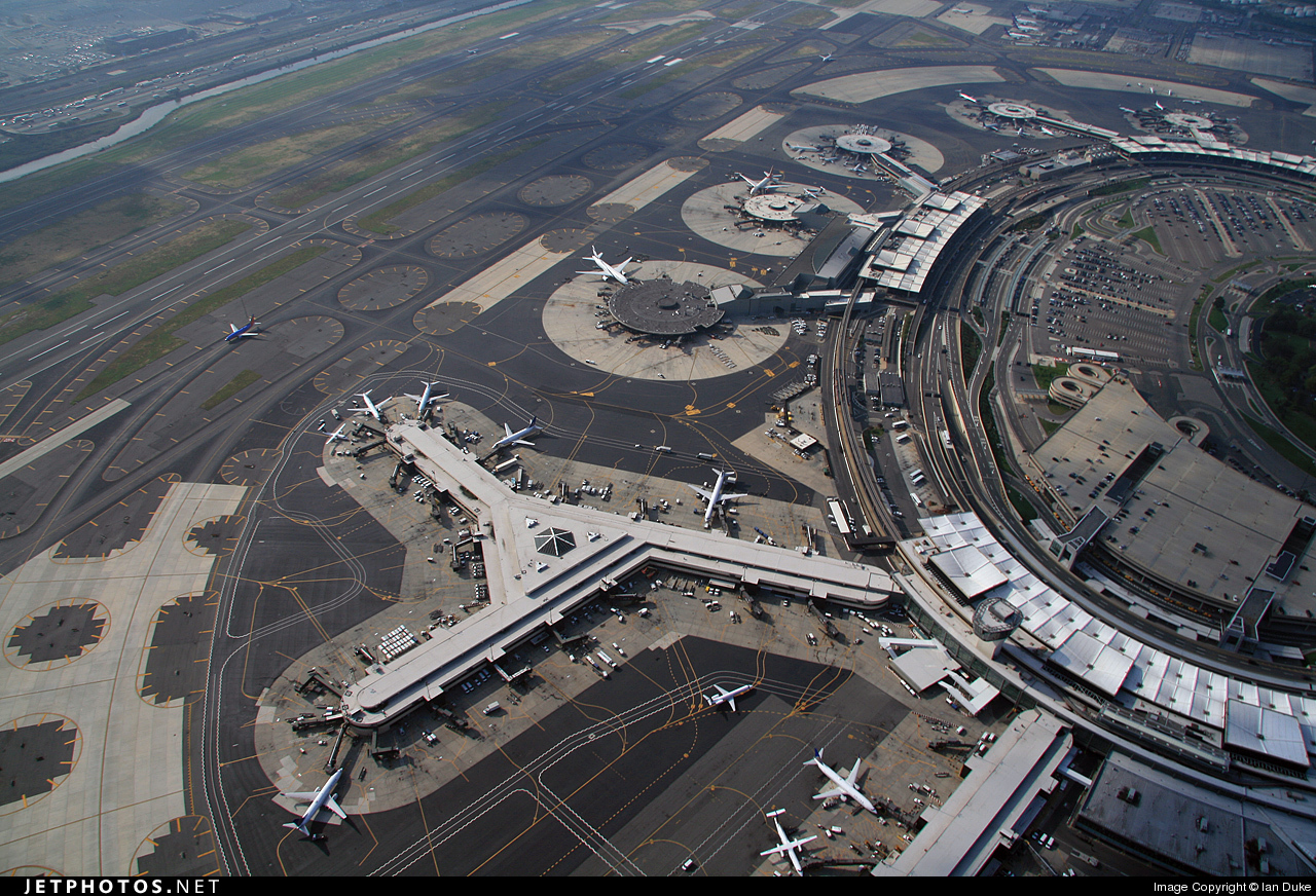 KEWR - Airport - Airport Overview