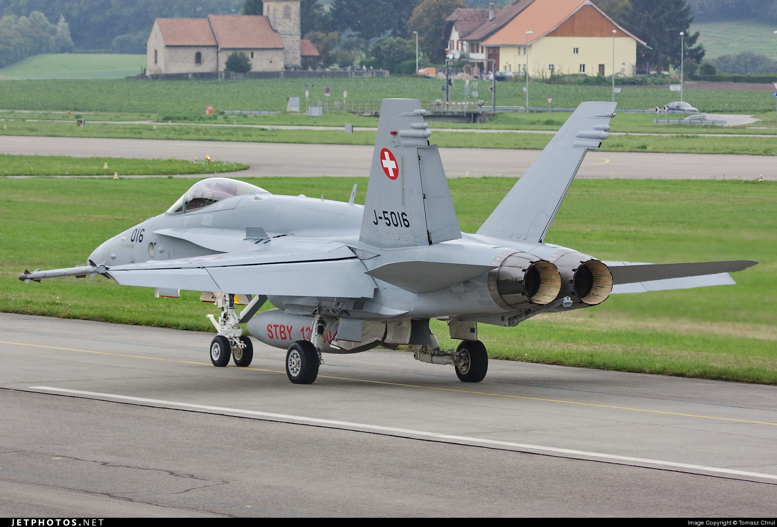 J-5016 - McDonnell Douglas F/A-18C Hornet - Switzerland - Air Force