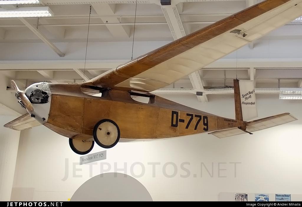 D-779 | Messerschmitt M17 | Un...