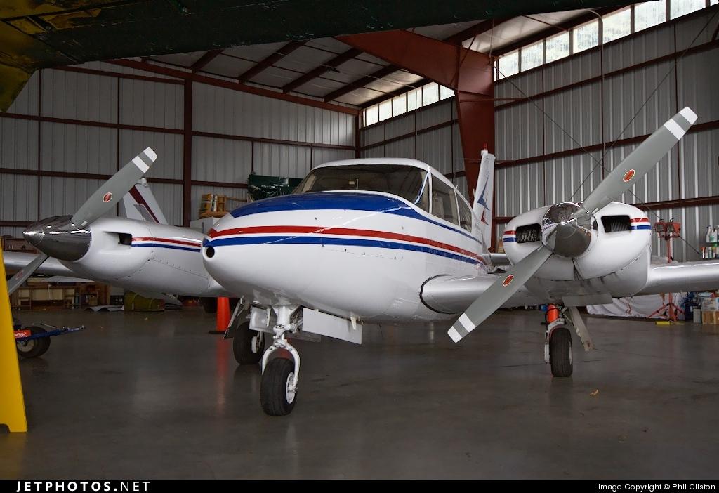 N7611Y - Piper PA-30-160 Twin Comanche - Private