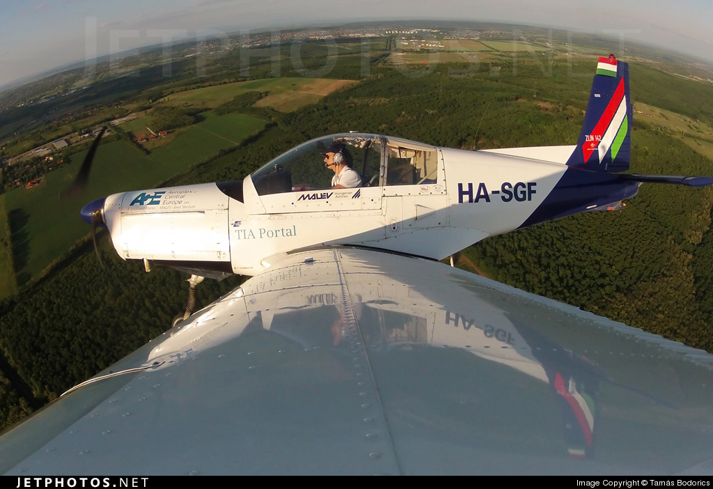 HA-SGF - Zlin 142 - Aero Club - Malév