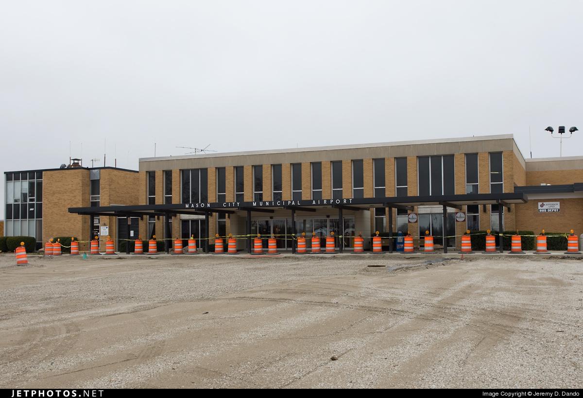 KMCW - Airport - Terminal