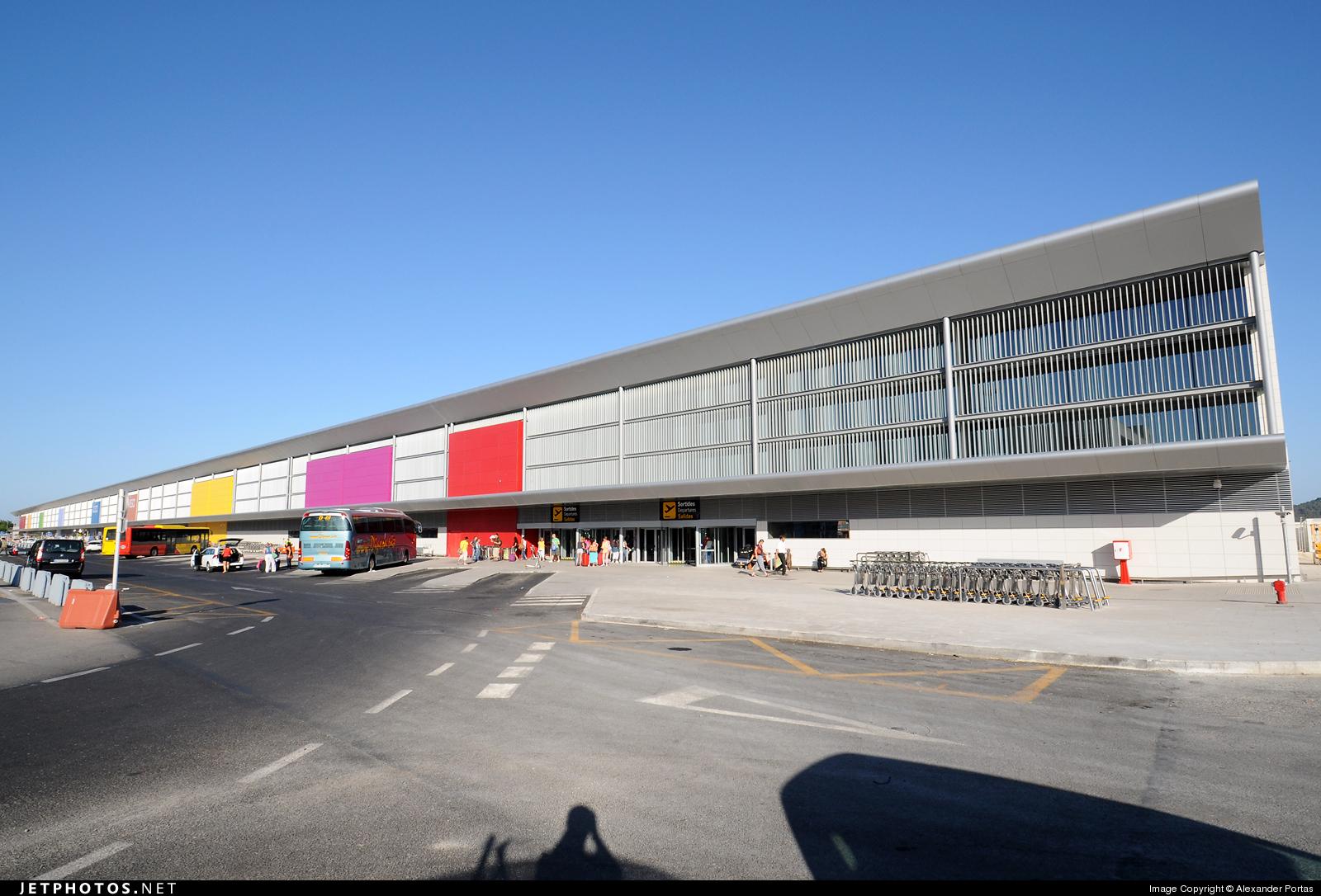 LEIB - Airport - Terminal