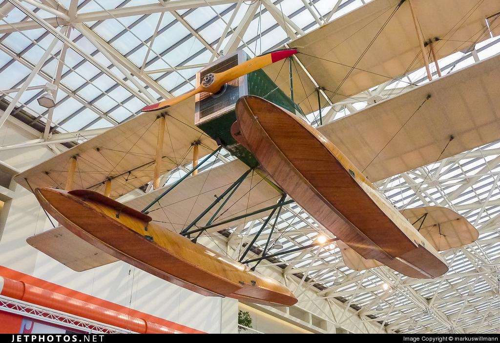 N1916 - Boeing B&W - Private