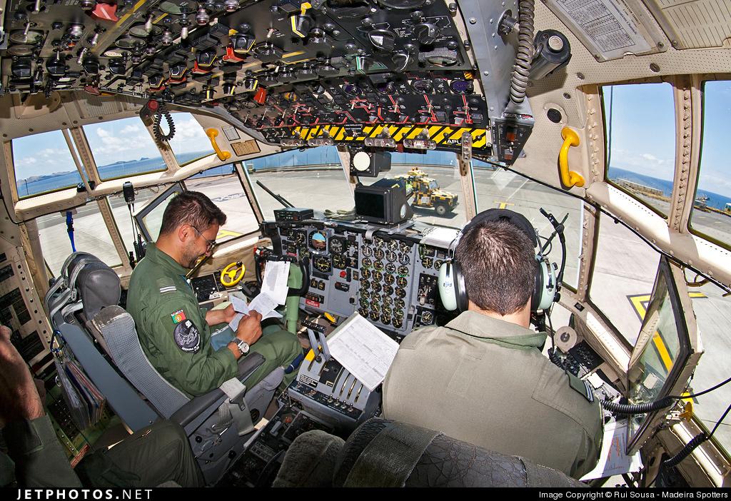 16806 - Lockheed C-130H-30 Hercules - Portugal - Air Force