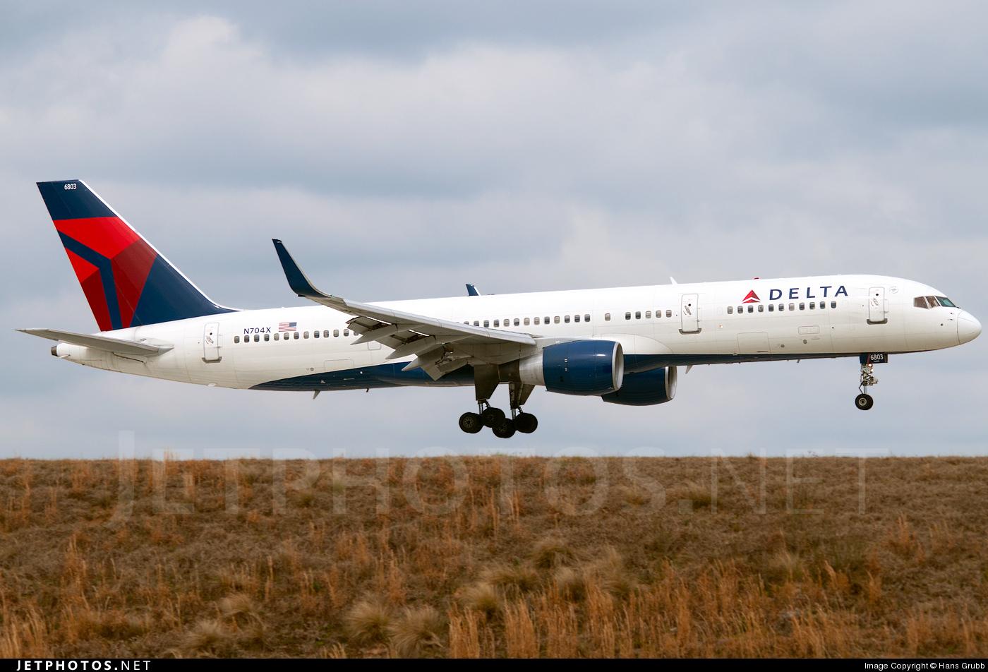 N704X - Boeing 757-2Q8 - Delta Air Lines