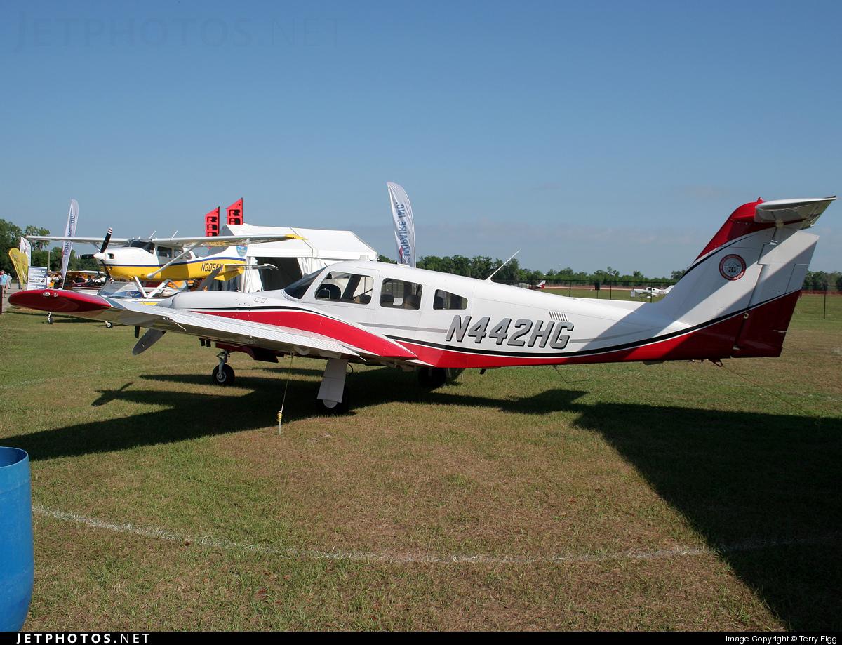 N442HG - Piper PA-44-180 Seminole - Private
