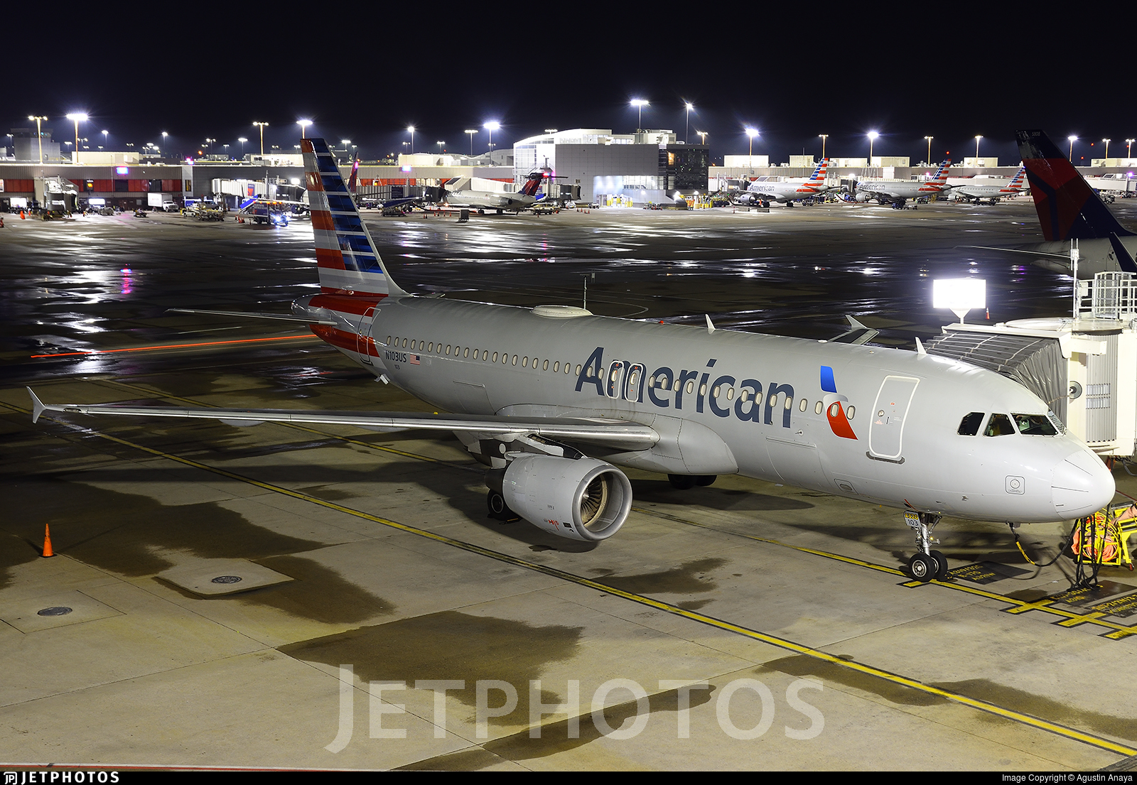 N103US - Airbus A320-214 - American Airlines
