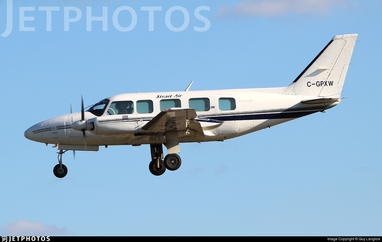 C-GPXW - Piper PA-31-350 Navajo Chieftain - Strait Air