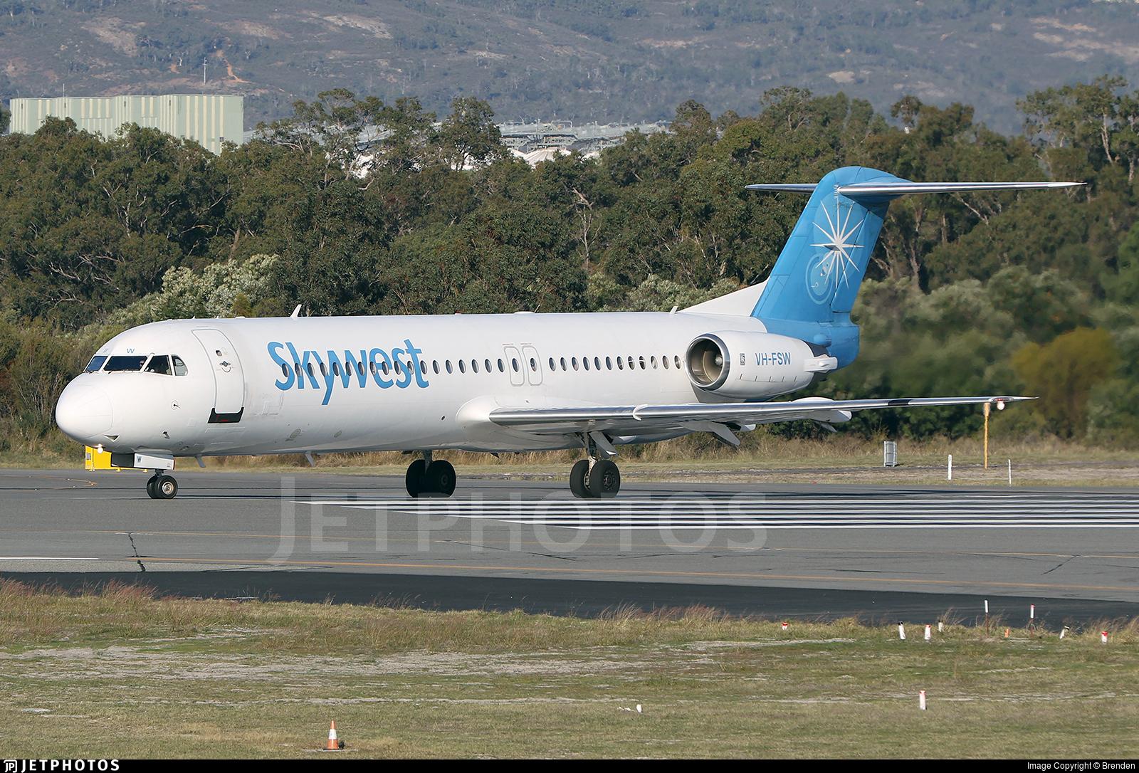 VH-FSW - Fokker 100 - SkyWest Airlines