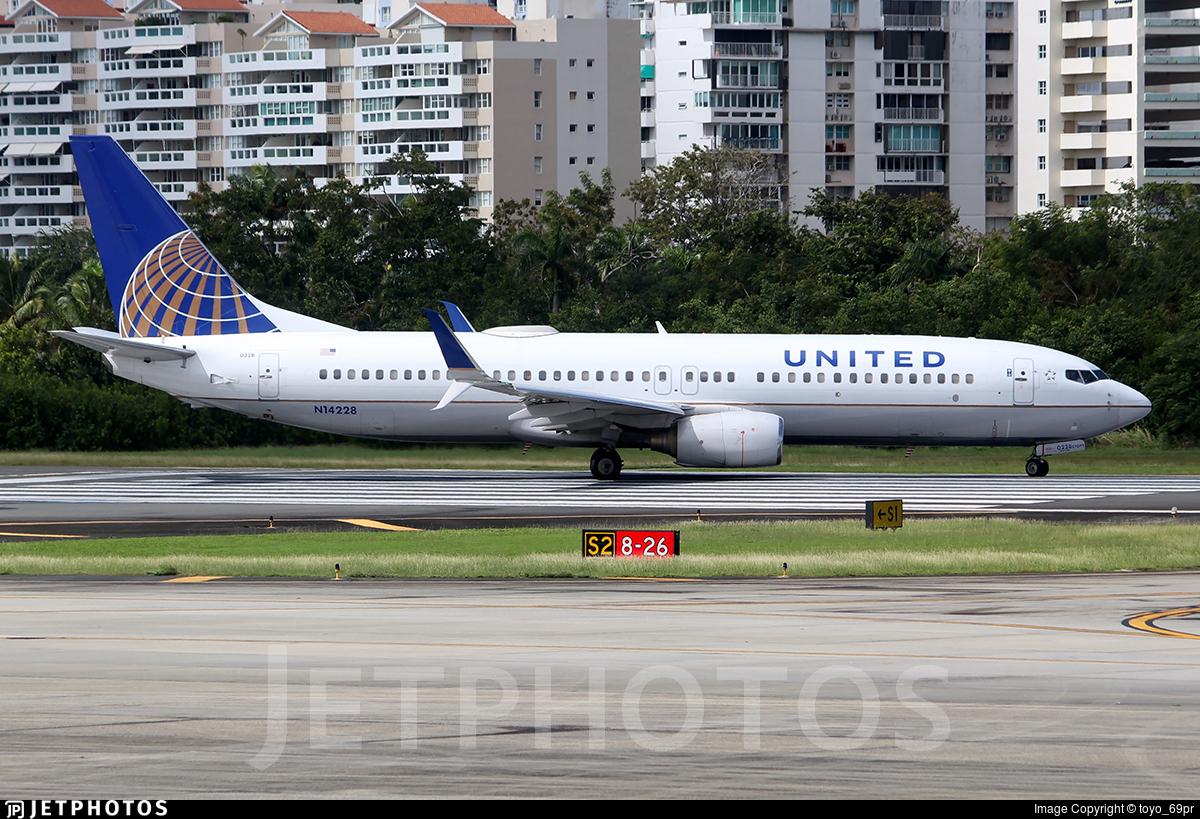 N14228 - Boeing 737-824 - United Airlines