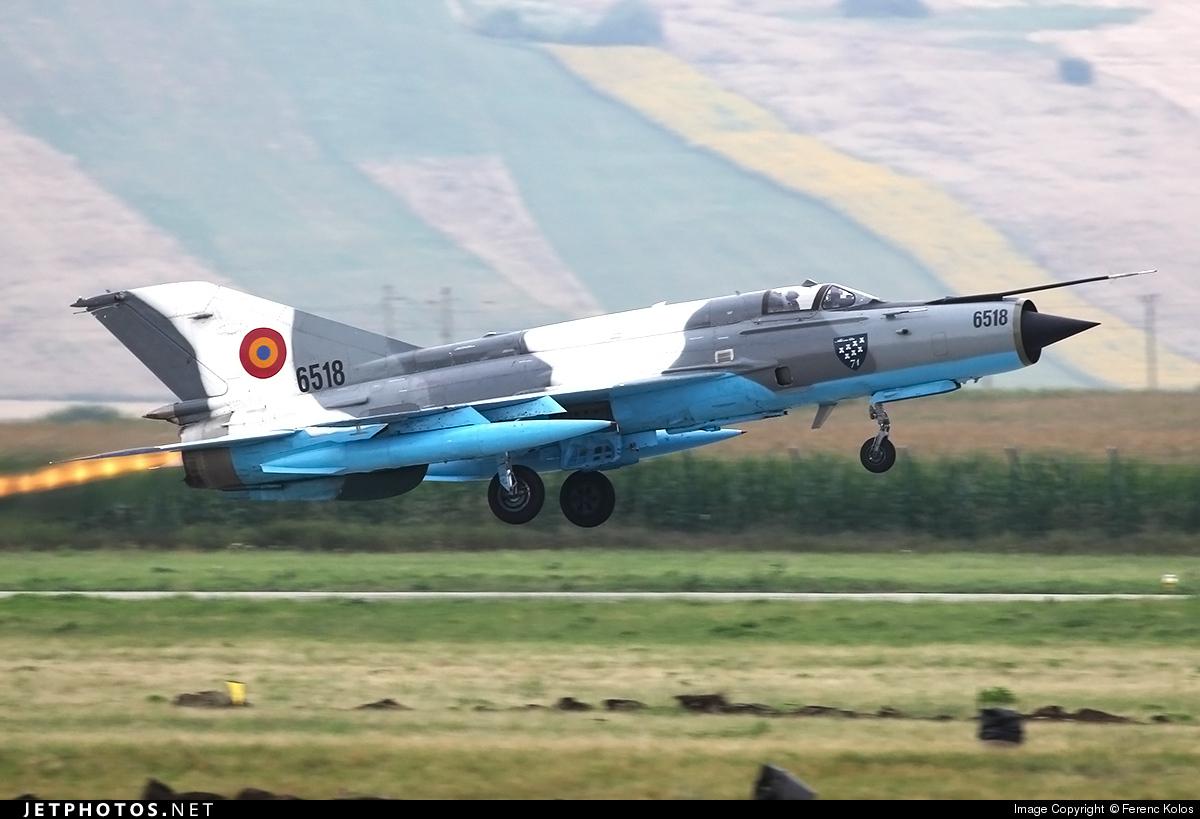 6518 - Mikoyan-Gurevich MiG-21MF Lancer C - Romania - Air Force
