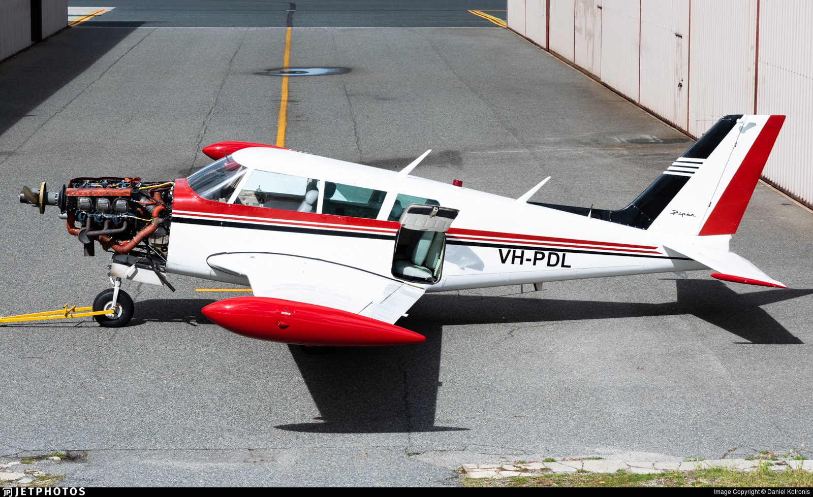 VH-PDL - Piper PA-24-260 Comanche C - Private