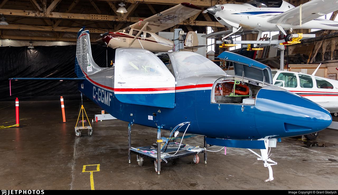 C-GGMF - Beechcraft B95 Travel Air - Victoria Flying Club