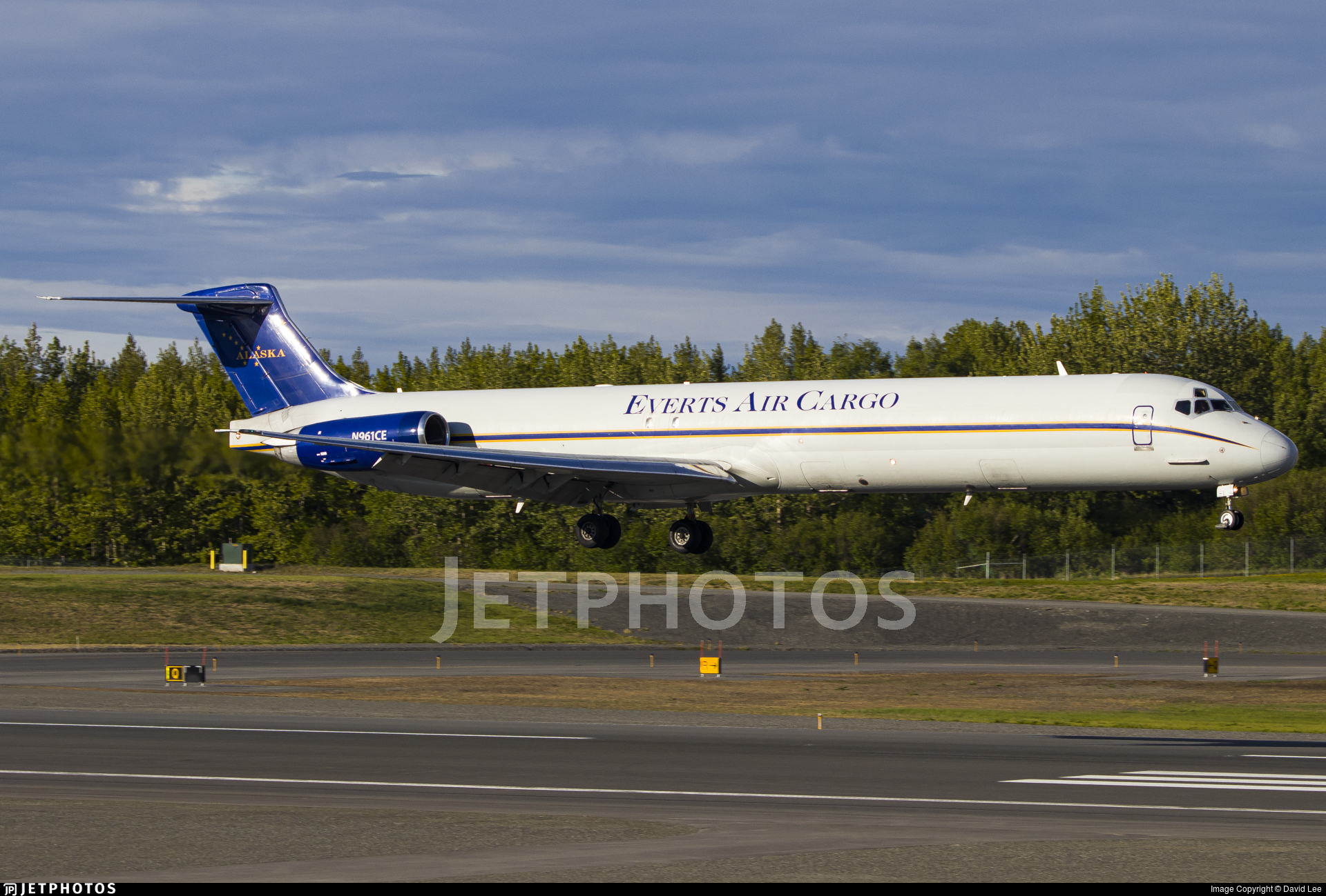 N961CE - McDonnell Douglas MD-82(SF) - Everts Air Cargo