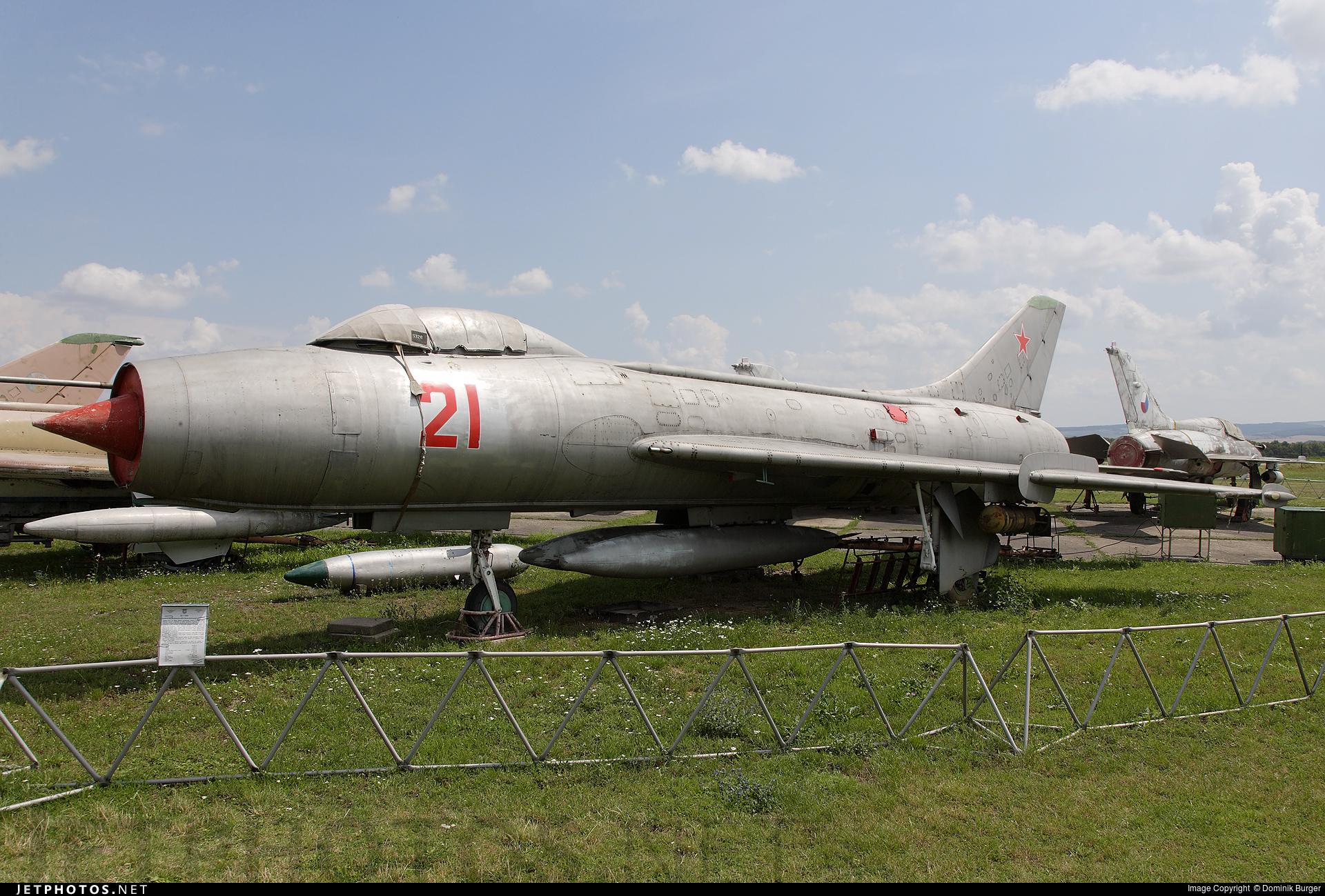 5521 - Sukhoi Su-7BM Fitter A - Czech Republic - Air Force