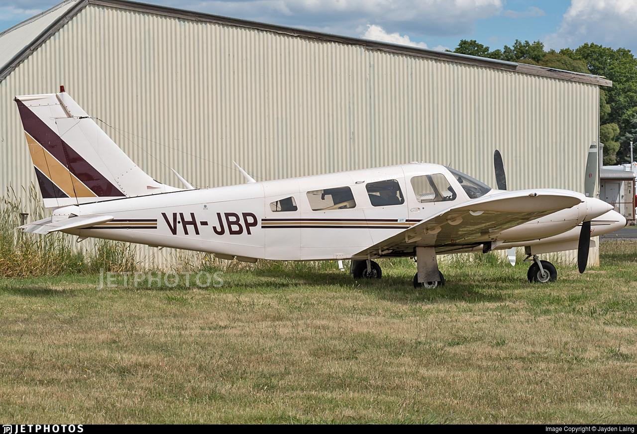 VH-JBP - Piper PA-34-200T Seneca II - Private